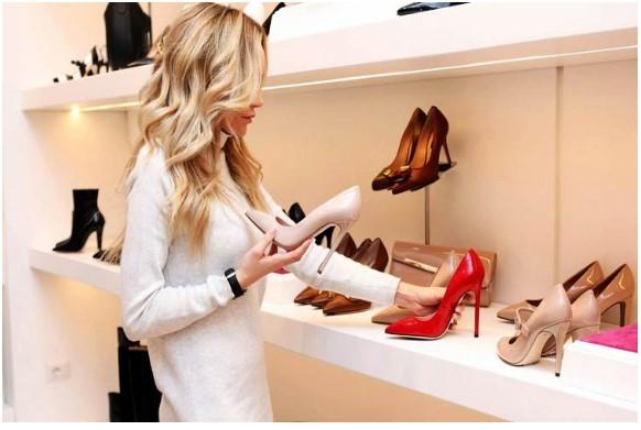 ¿Es seguro comprar ropa o calzado en tiempos de coronavirus?