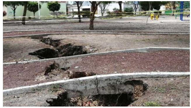 ¡Ahora en Guanajuato! Aparece esta enorme grieta en parque de Celaya