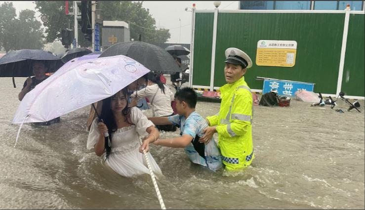 Al menos 25 muertos por lluvias en la provincia central de Henan en China