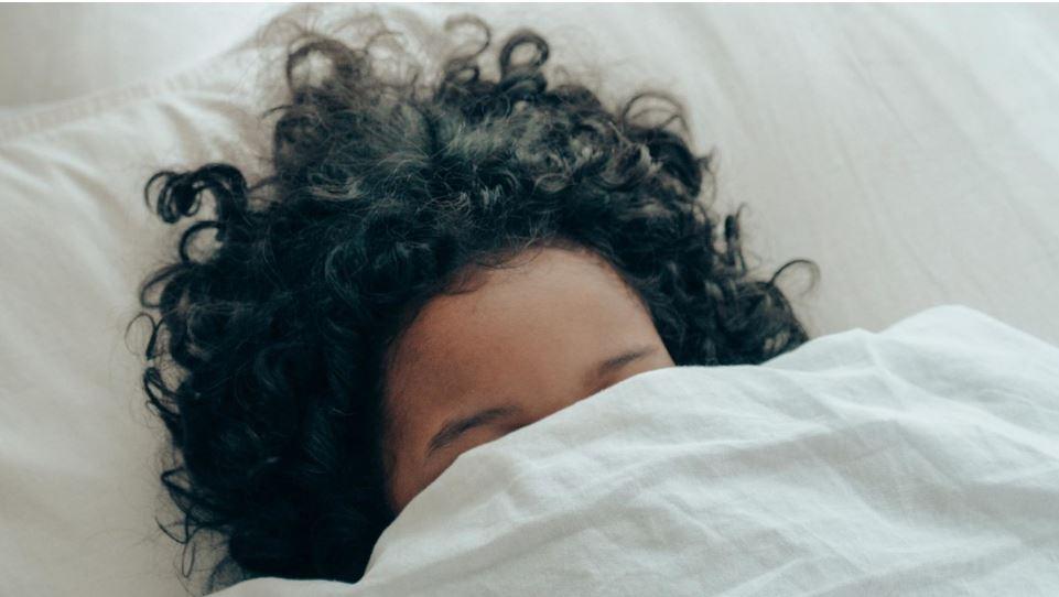 Experimento. el sueño nocturno prolongado no siempre es mas reparador (pero la siesta, sí ayuda)
