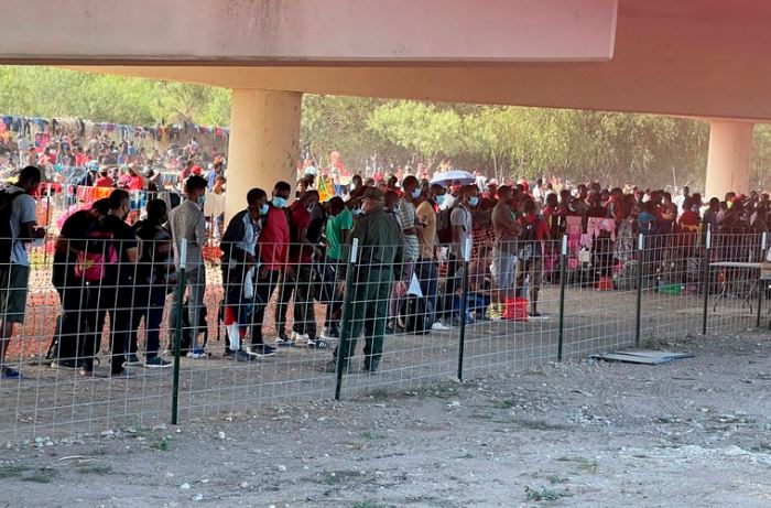Estados Unidos inició la expulsión masiva de migrantes haitianos en Texas